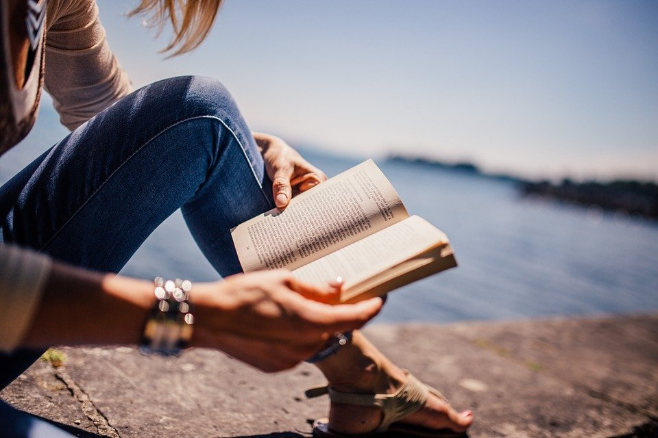 Best Hobbies for Writers - Reading